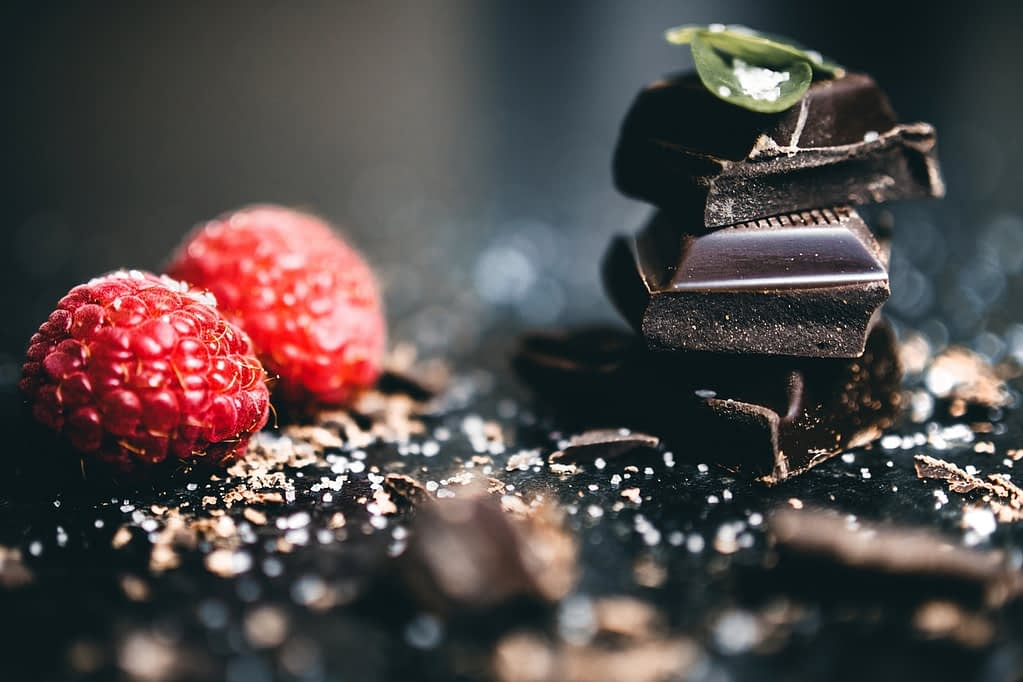 dark chocolate aids in sleep improvement