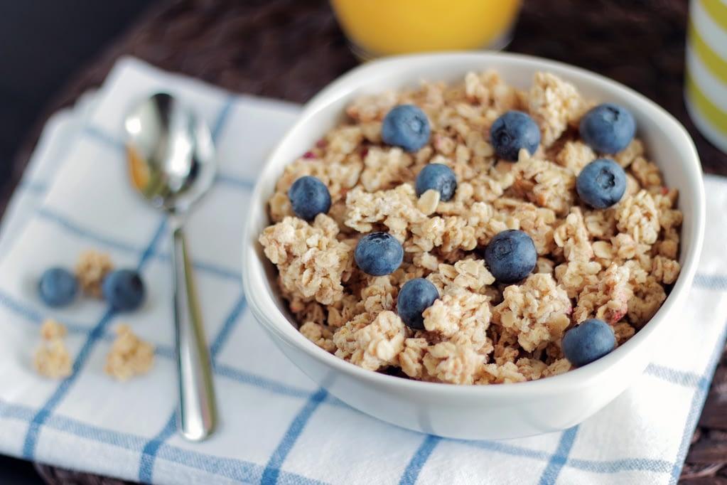 healthy oatmeal bowl